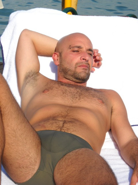 Gay male escort service bisex milano